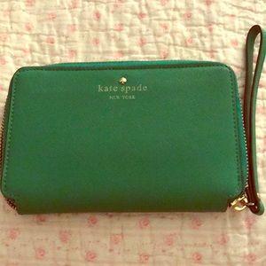 Elegant green Kate spade zip cap to wallet